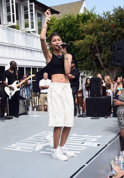 zendaya house zendaya coleman photos photos zendaya performs at hollister house zimbio