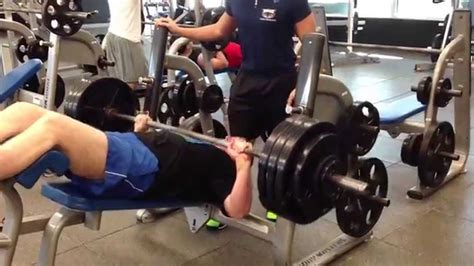 how to bench press heavy img 1190 heavy lifting 400 x 1 decline bench press youtube
