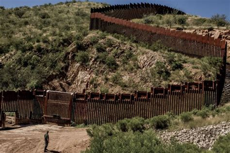 borders fences and walls state of insecurity border regions series books clinton exaggerates by saying donald plans