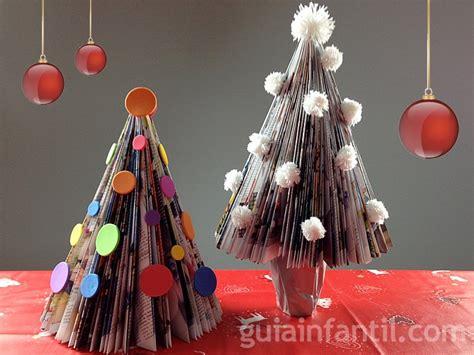193 rbol de navidad con una revista manualidades navide 241 as