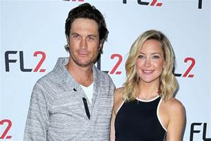 oliver hudson father oliver hudson repairing relationship with father