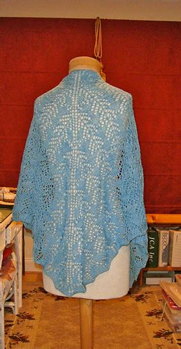 free pattern ocean waves scarf by leslie lewis knit ravelry ocean waves shawl pattern by leslie gonzalez