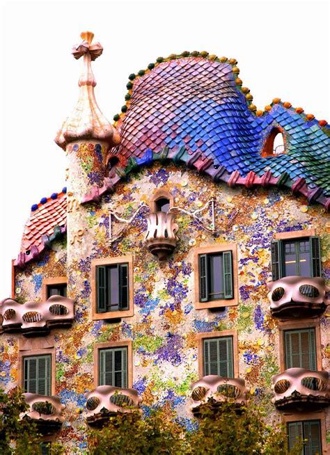 barcelona surroundings exploring gaudis casa batllo