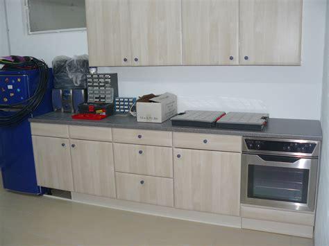 küchen und badezimmer umbau hochzeitstisch mit blumen deko