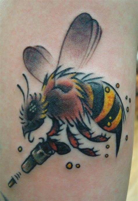 killer tattoo designs bee tattoos and designs page 9
