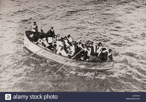 titanic boat survivors survivors of the rms titanic in one of her collapsible