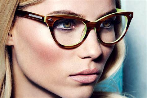 eyeglass wearers makeup worst mistakes