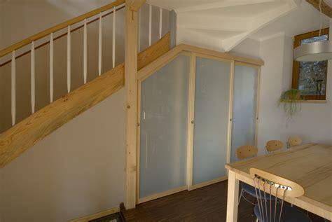 Kleiderschrank Unter Treppe by Schreiner Aus Sulzbach Baut Begehbaren Kleiderschrank