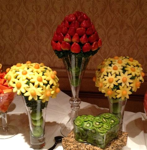 edible arrangements centerpieces best 25 fruit buffet ideas on fruit display tables fruit trays and fruit designs