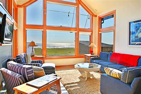 coastal cottage in washington state sanderling beach house vacation rental home cohasset