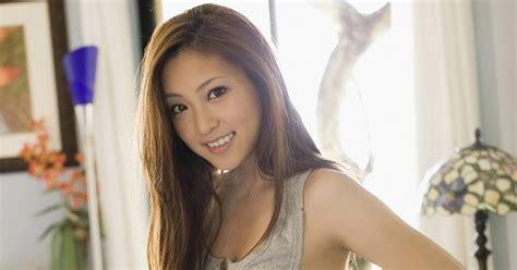 in bed natsuko tatsumi in bed begaynews pinknews news