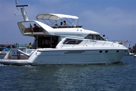 bayliner boats wiki stock photos royalty free images princess yachts wiki