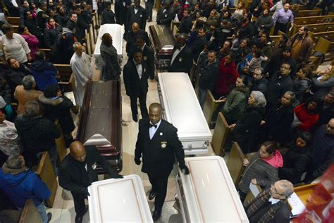 killed in chicago 2016 at funeral for six family members murdered inside their