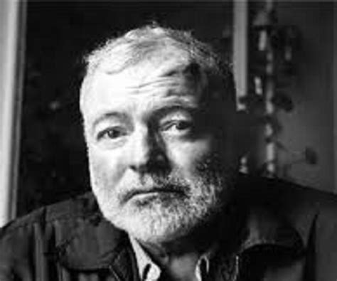 best biography about ernest hemingway ernest hemingway biography childhood life achievements