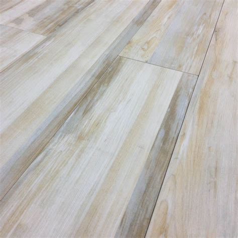Kitchen Flooring Design New Tile Flooring That Looks Like Hardwood Concept Houzidea