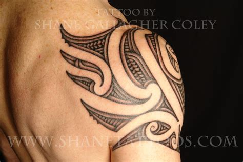 traditional shoulder tattoo traditional maori shoulder tattoomagz