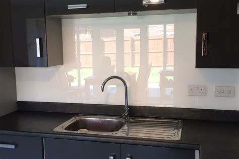 kitchen sink splashback glass splashback behind kitchen sink coloured in arctic