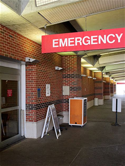 Shore Lij Emergency Room by Emergency Medicine Northshore
