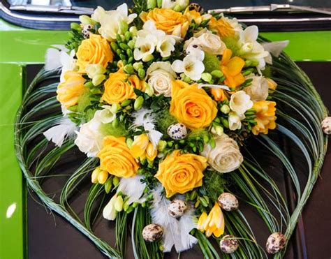 Hochzeit Blumenschmuck by Dekoration Hochzeitsauto Blumenschmuck Und Mehr