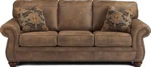 Larkinhurst earth traditional sofa with queen sleeper option