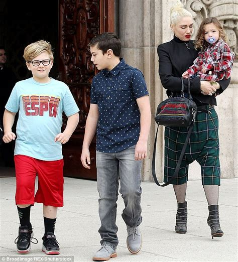 gwen stefani tattoos gwen stefani s boys copy shelton s arm tattoos
