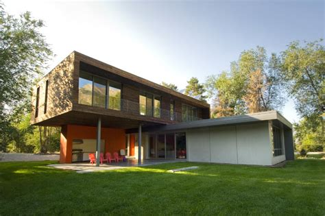 home design in utah the cantilever house in utah is a solar powered home for