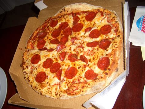 domino s pizza images domino s pizza pepperoni images