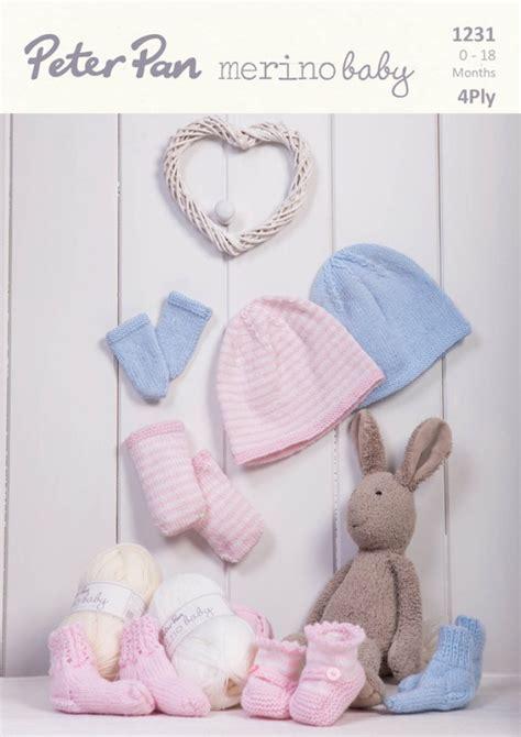 Topi Joshua Dan Kaos Kaki bayi saat musim dingin happy stories