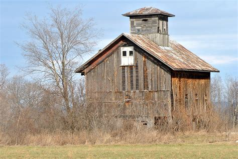 Vintage Barn Cupola Barn With Cupola Photograph By Wayne Sheeler