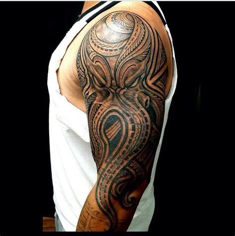 tattoo tribal masculina no braço 1000 ideias sobre tatuagem no ombro masculina no