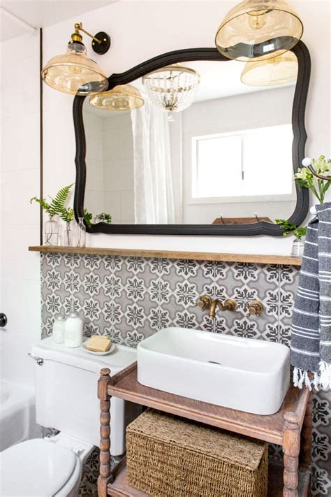Small Cottage Bathroom Ideas by Best 25 Small Cottage Bathrooms Ideas On