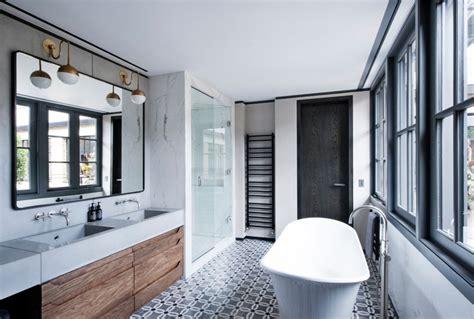Salle De Bain Carreaux Ciment une salle de bain en carreaux de ciment frenchy fancy