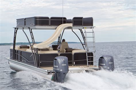 deck boat or pontoon fifty plus mph on a double decker pontoon with its own