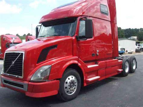 volvo 2010 truck freightliner cascadia 2010 sleeper semi trucks