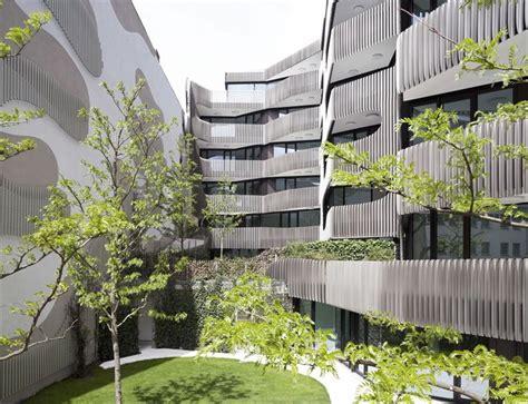 sculptural envelope    residential office