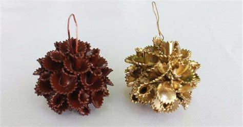 como hacer bolas de navidad para el arbol 191 buscas c 243 mo decorar tu 225 rbol aprende a hacer estas