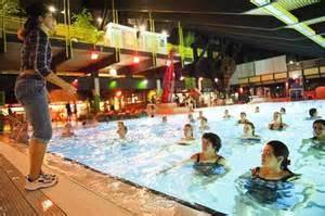 schwimmbad in hannover b 228 dernacht schwimmspa 223 zu sp 228 ter stunde haz