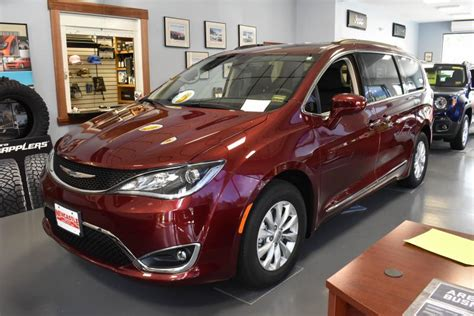 2017 chrysler pacifica touring l 33 487 wiscasset newspaper