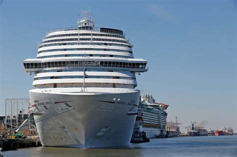 Galveston Car Rental Cruise Port by Galveston Hosts Largest Cruise Ship To Sail From San Antonio Express News
