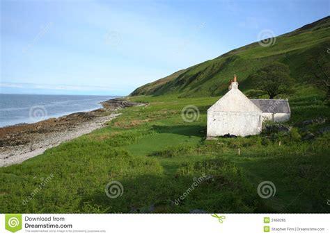 cottage scozia cottage isolato scozia immagine stock immagine di lontano