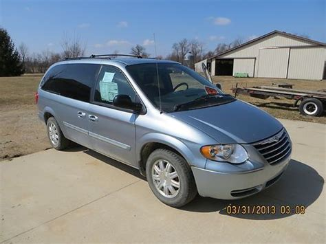 town country 2005 car manual town and country chrysler repair7 purchase used 2005 chrysler town and country touring 3 8l in oxford michigan united states