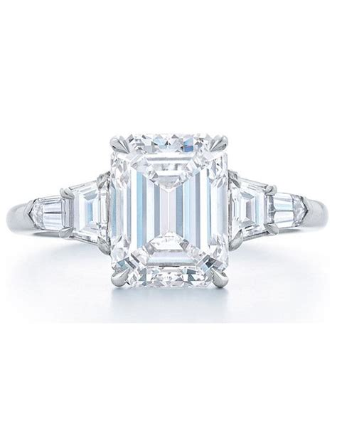 kwiat emerald cut engagement ring with trapezoid