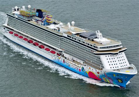 norwegian cruise xmas norwegian breakaway itinerary schedule current position