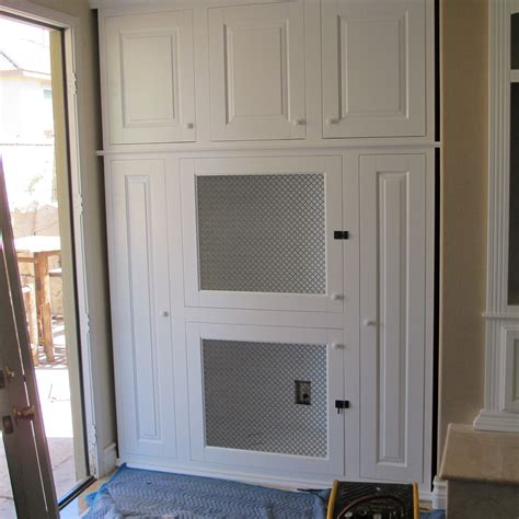 Kitchen Cabinets Anaheim Install The New Cabinets With Built In Dog Kennels C Amp L
