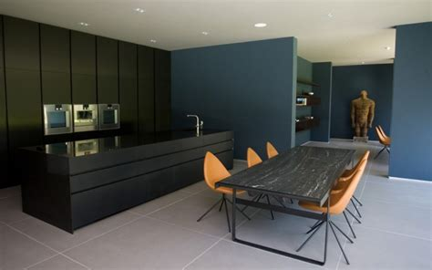grand designs new series kicks with house