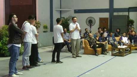 Mahasiswa Uin Jadi Kyai pak ahok bagaimana kalau jokowi jadi presiden