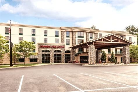 comfort inn suites queensbury ny six flags great escape lodge indoor waterpark updated