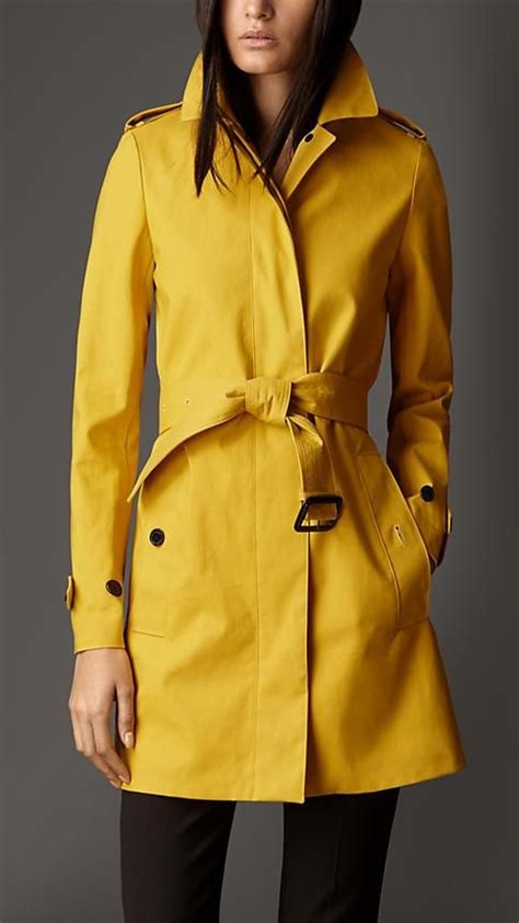 You Asked We Found Britneys Trench Coat by Best 25 Yellow Trench Coat Ideas On