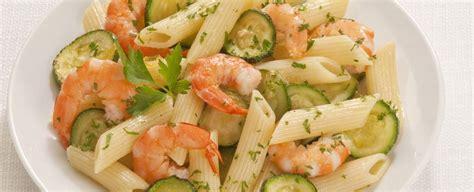 come cucinare pasta e zucchine pasta zucchine e gamberetti sale pepe