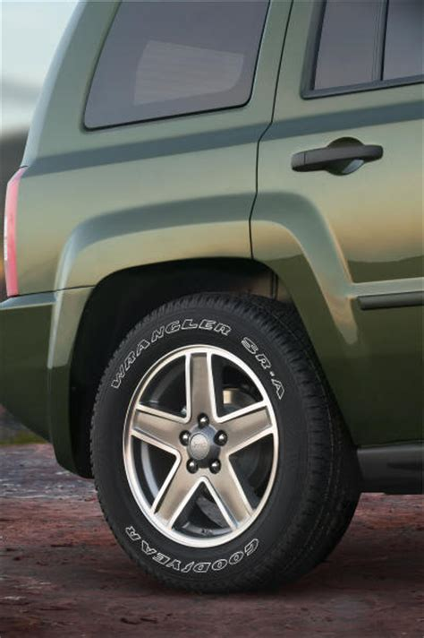 Jeep Patriot Tire Size Jeep Patriot Compact Suv With Fwd Or Awd The Jeep Compass
